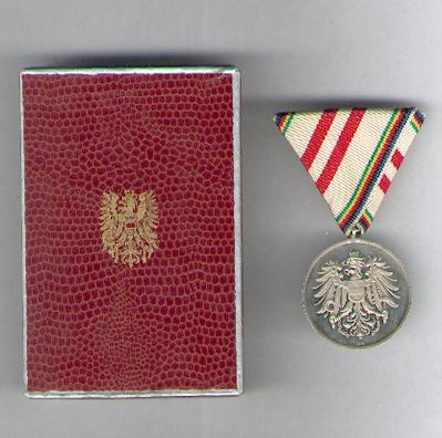 Medal of Merit for the Winter Olympics of 1976, in case of issue (Olypiamedaille 1976 im Etui)