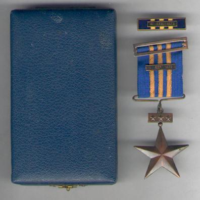 Distinguished Service Decoration '11 September', Navy, I Class for Senior Officers (Condecoración 'Servicios Distinguidos 11 de septiembre', Armada, I Clase por Jefes) with enamel ribbon bar, in case of issue by Hours of Santiago