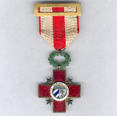 Order of Merit and Honour of the National Red Cross, knight (Orden de Honor y Mérito de la Cruz Roja Cubana, caballero)