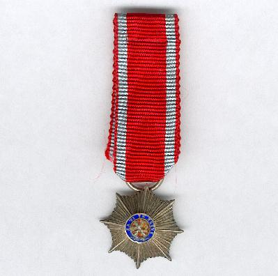 Czechoslovak Military Order of the White Lion for Victory (Ceskoslovenský voyenskÿ rád bílého Lva), I class star, miniature