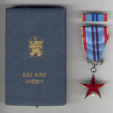 Order of the Red Star of Labour (Řád Rudé Hvĕzdy Práce), silver, numbered, with ribbon bar, in fitted case of issue by Žukov of Prague, 1955-1990 issue