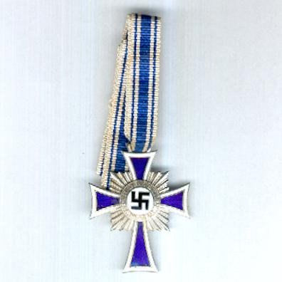 Cross of Honour of the German Mother, II class, 2nd version (Ehrenkreuz der Deutschen Mutter, II Stufe, 2. Form), 1939-1944