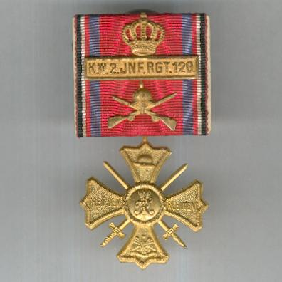 WEIMAR REPUBLIC.  Regimental Commemorative Cross with Royal Wurttemberg 2nd Infantry Regiment ('Kaiser Wilhelm, King of Prussia') 120 clasp 1914-1918, parade-mounted
