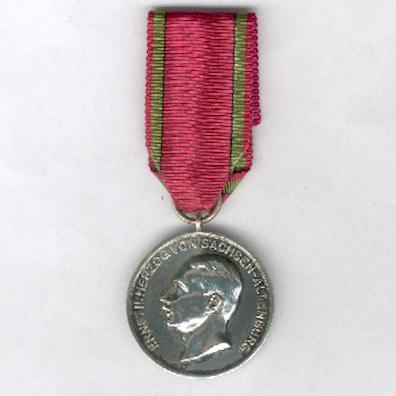 SAXE-ALTENBURG.  Silver Medal of Merit of the Ducal Saxe-Ernestine House Order, Duke Ernst II (SACHSEN-ALTENBURG.  Silberne Verdienstmedaille des Sachsen-Ernestinischen Hausorden, Herzog Ernst II.), 1908-1918 issue