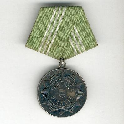 Medal for Long Service in the Military Arms of the Ministry of Interior, 10 years (Medaille für Treue Dienste in der bewaffneten Organen des Ministeriums des Innern,  für 10 Dienstjahre)