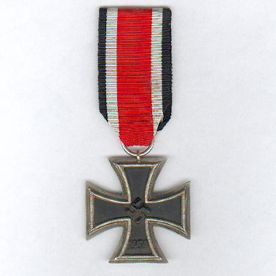 Iron Cross, II class (Eisernes Kreuz, II. Klasse), 1941-1945 issue