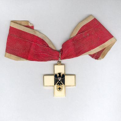 Great Cross of the Decorations of the German Red Cross, 3rd version (Großkreuz des Ehrenzeichens des Deutschen Roten Kreuzes, 3.Form), 1937-1939, by Chr. Bauer of Welzheim, probably a collector's copy