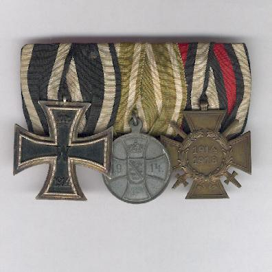 SAXE-ALTENBURG.  World War I Group of Three (SACHSEN-ALTENBURG.  3er Ordenspange, Weltkrieg I.), court-mounted