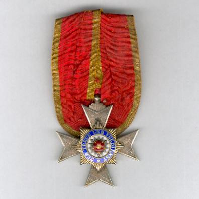 SCHAUMBURG-LIPPE.  Princely House Order, Officer's Cross of Merit (Fürstlich Hausorden, Offiziersehrenkreuz), 1899-1918 issue