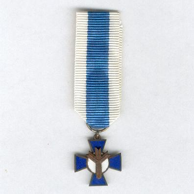 Blue Cross (Sininen Risti), 2nd type, since 1983, miniature