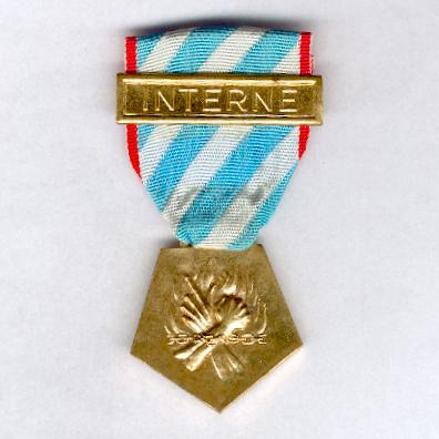 Medal for Deportees and Interned Resisters (Médaille des Déportés et Internés Résistants), 1940-1945 with 'Interne' bar