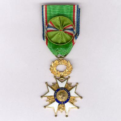 Cross of Honour for Humanitarian Works, officer (Croix d'Honneur de l'Œuvre Humanitaire, officier)