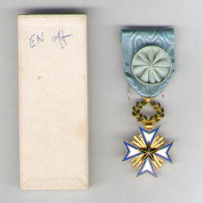 BENIN. Order of the Black Star, officer (Ordre de l'Etoile Noire, officier) by Arthus Bertrand of Paris, in pasteboard case of issue