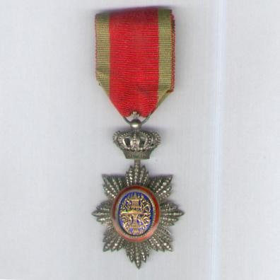 CAMBODIA. Royal Order of Cambodia, knight, on national ribbon (Ordre Royal du Cambodge, chevalier, sur ruban national)