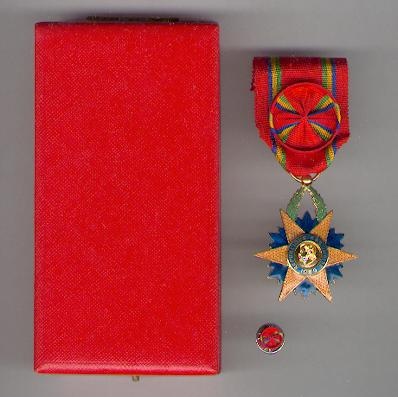 Order of the Equatorial Star, officer, in fitted case of issue (Ordre de l'Etoile Equatorial, officier, dans son écrin d'origine) by Arthus Bertrand of Paris