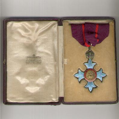 The Most Excellent Order of the British Empire, Commander (C.B.E.), Civil, 1st type, 1917-1935 issue, by Garrard & Co. Ltd. of London, in original case, on Military ribbon