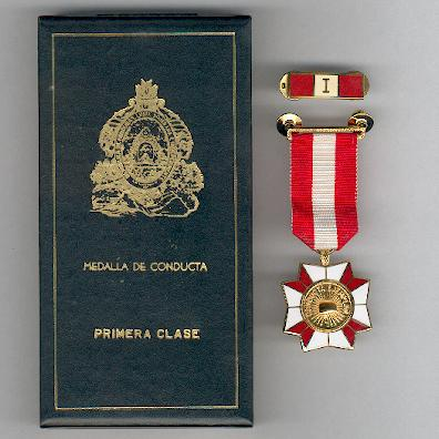 Exemplary Conduct Medal, I class (Medalla de Conducta, I clase), with metal ribbon bar, in case of issue by N. S. Meyer of New York