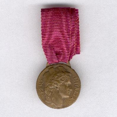Medal of Honour for Italian Volunteers of the War of 1915-1918, miniature (Distinivo d'Onore per gli ex Irredenti Italiani Volontari di Guerra, 1915-1918, miniatura)