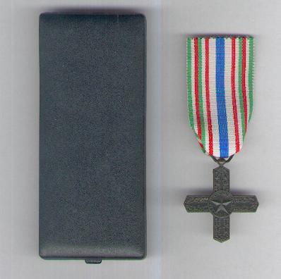 Order of Vittorio Veneto, knight, in original case of issue (Ordine di Vittorio Veneto, cavaliere, con scatola originale)