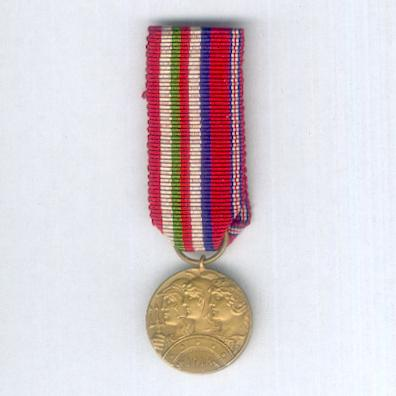 Altipiani Medal. Commemorative Medal for the 6th (Plateau) Army, bronze' (Medaglia Commemorativa della 6ª Armata (Armata degli Altipiani), bronzo) for Italian, British and French officers, 1918, miniature