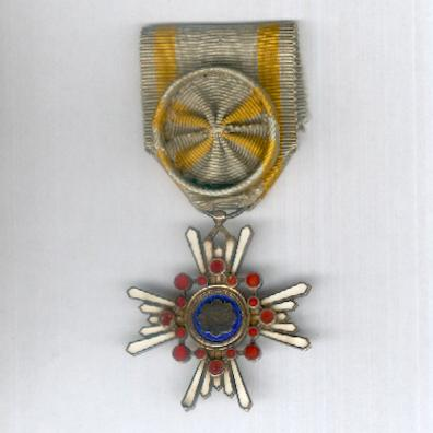 Order of the Sacred Treasure (瑞宝章 Zuihōsho), IV class