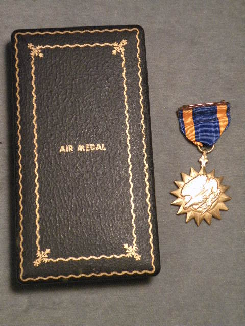 Air Medal, numbered, in World War II vintage case of issue