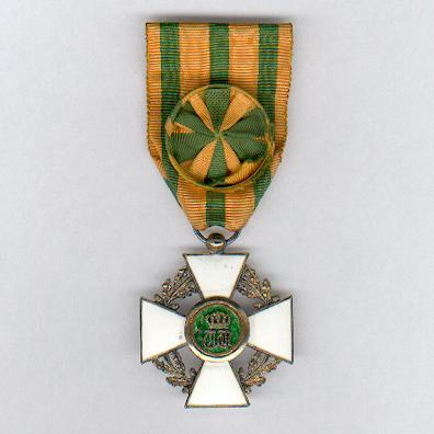 Order of the Crown of Oak, officer (Ordre de la Couronne de Chêne, officier)