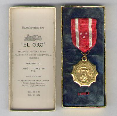 Defense Medal, with lapel bar, in case of issue by El Oro of Quezon City