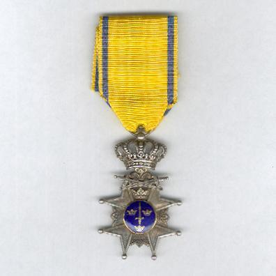 Royal Order of the Sword (Kungliga Svärdsorden), Sword Cross