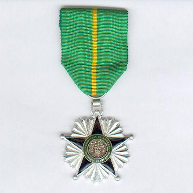 Order of Merit, knight (Ordre du Mérite, chevalier)