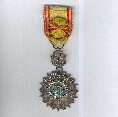 TUNIS.  Order of Nichan Iftikhar, officer, Ahmad II ibn Ali issue, 1929-1942