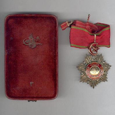 Order of Mejidie (Mecidi Nishani), III class, in original fitted embossed case of issue