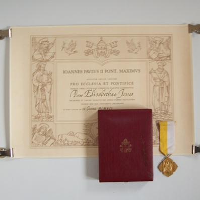 Bene Merenti Medal, Pope Saint John Paul II issue 1978-2005, awarded 1991, in original fitted embossed case of issue and card slipcase and with original award brevet
