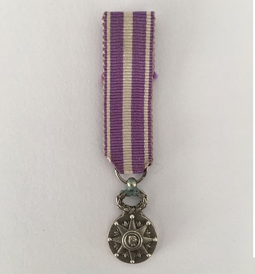 Civic Star, Medal of Civic Merit, silver (Étoile Civique, Médaille du Mérite Civique, argent), miniature