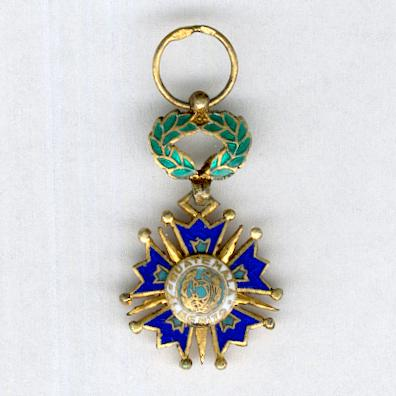 Order of the Quetzal, knight, miniature (Orden del Quetzal, caballero, miniatura) by De Greef of Brussels