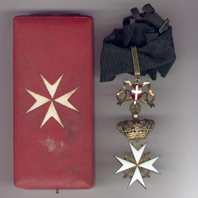 Order of Merit (Military Division) of the Sovereign Military Hospitaller Order of Saint John of Jerusalem, of Rhodes and of Malta, Knight of Magistral Grace in fitted case of issue