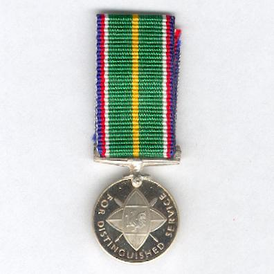 Distinguished Service Medal, version since 2002, miniature